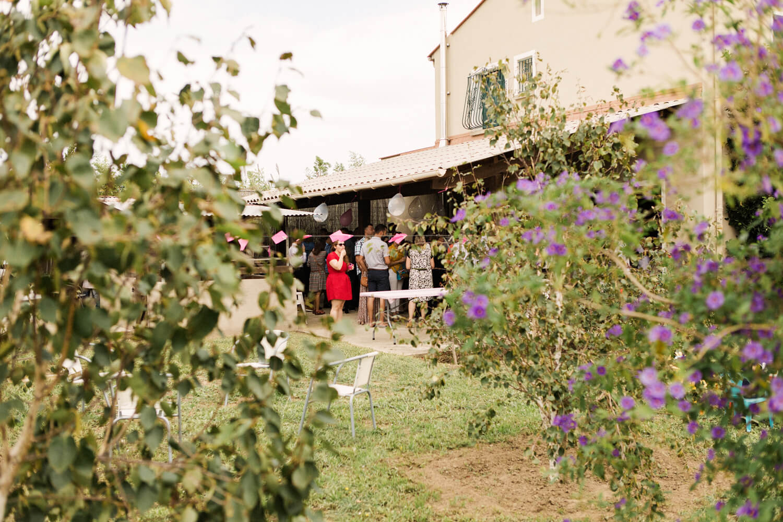 Photo-ambiance-fete-bapteme-jardin