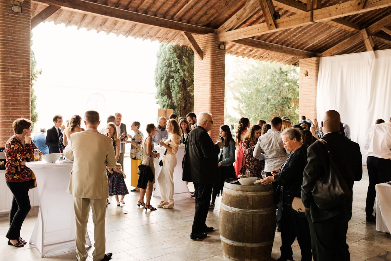 Photo-ambiance-vin-honneur-mariage-sur-perpignan
