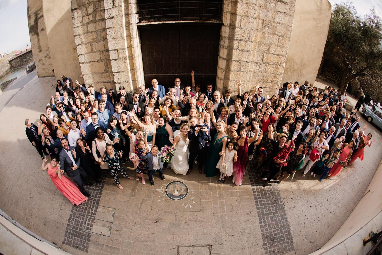 Photo-groupe-mariage-eglise-sur-collioure