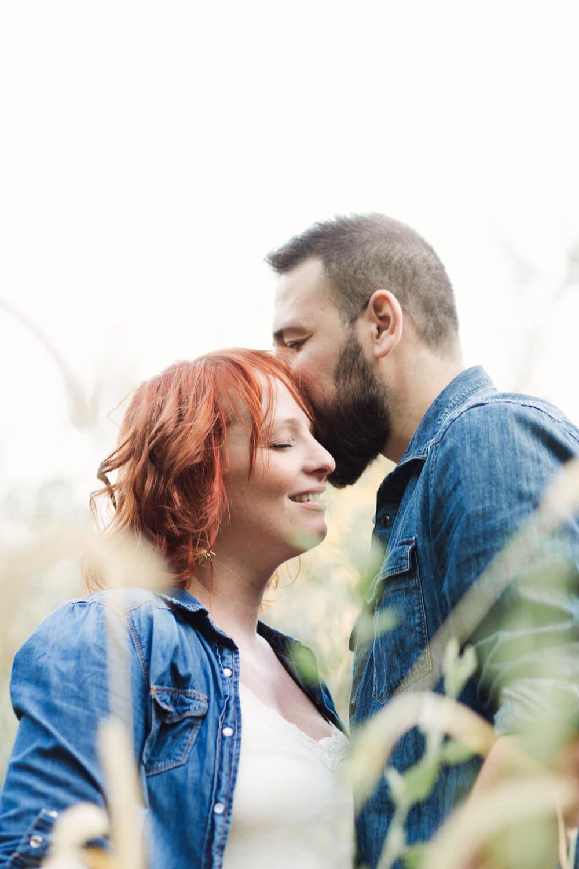 Photo-homme-montre-amour-femme-enceinte