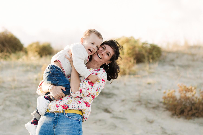 Photo-maman-prend-fou-rire-avec-fils
