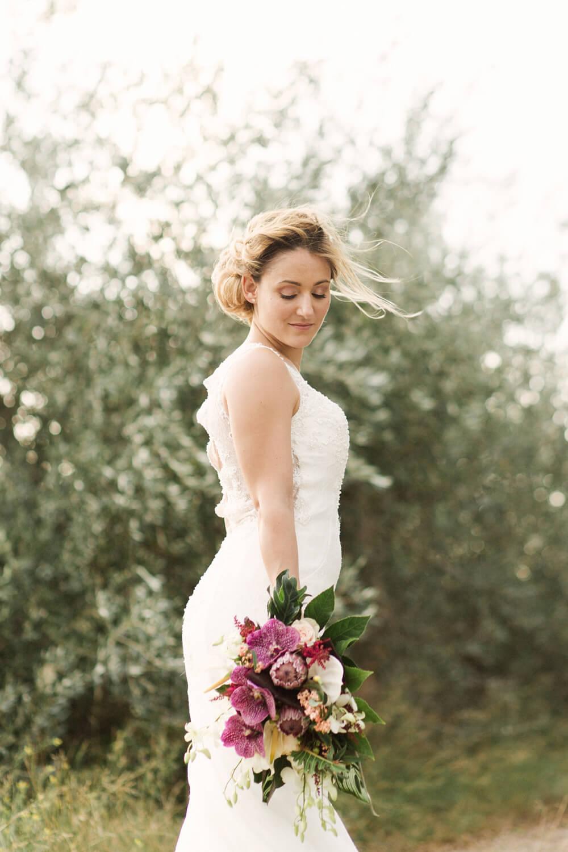 Portrait-de-mariee-heureuse-apres-mariage-sur-perpignan